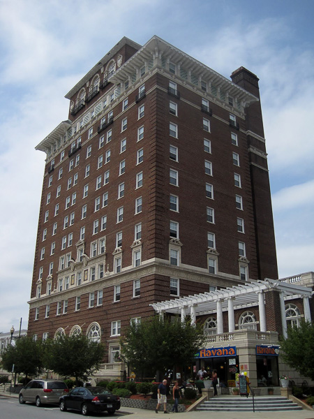 Fun things to do in Asheville NC : Battery Park Hotel in Asheville, NC.